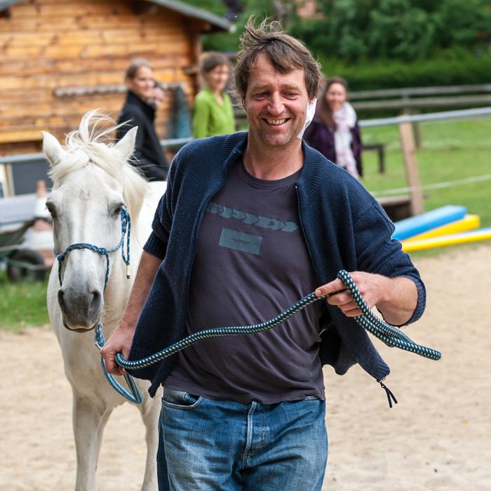Motivation und Freude steigern mit Pferden als lebendige Mitspieler